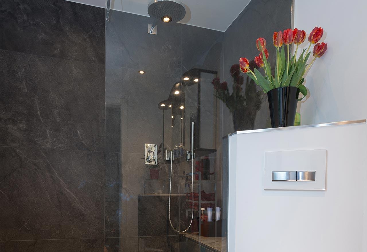 Badfabrik Jacobi Kundenbad klassisch und elegant
